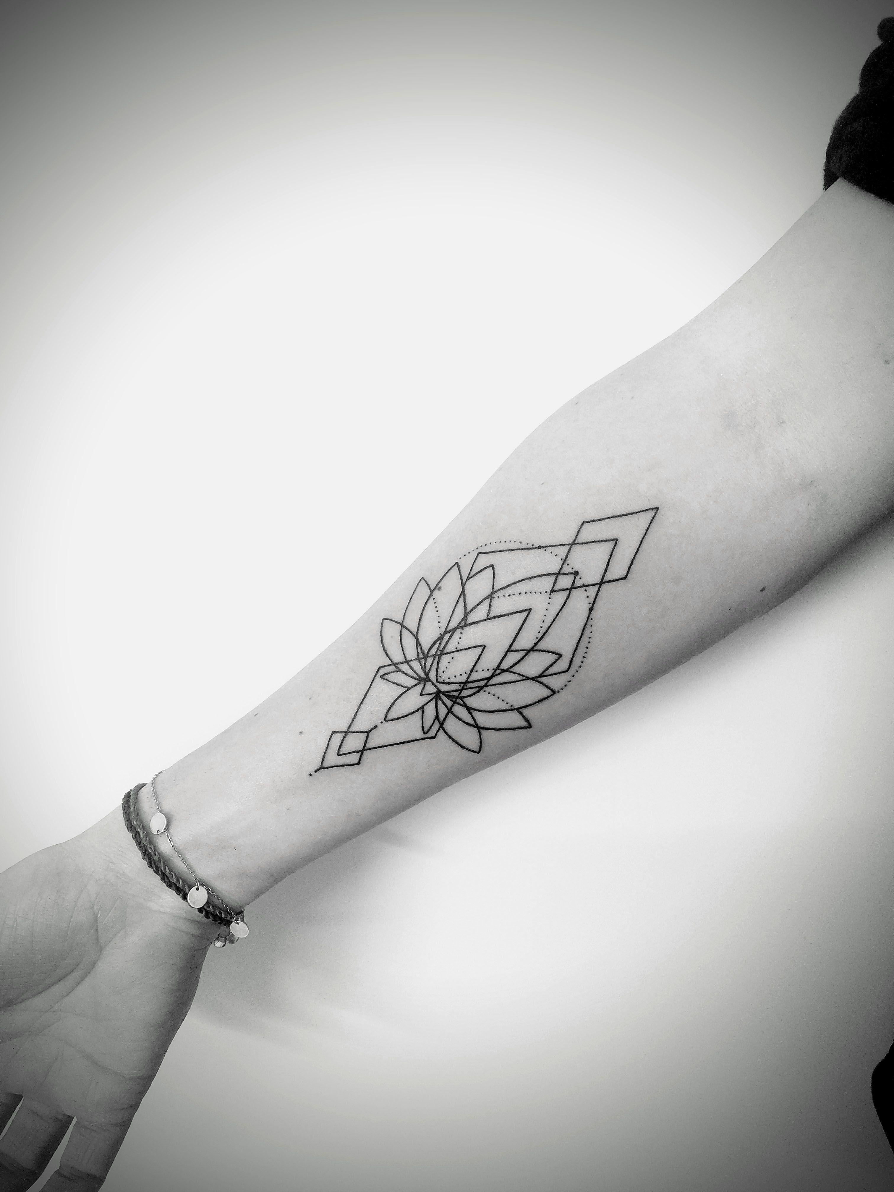 portfolio-tattoos/02_geometric.jpg