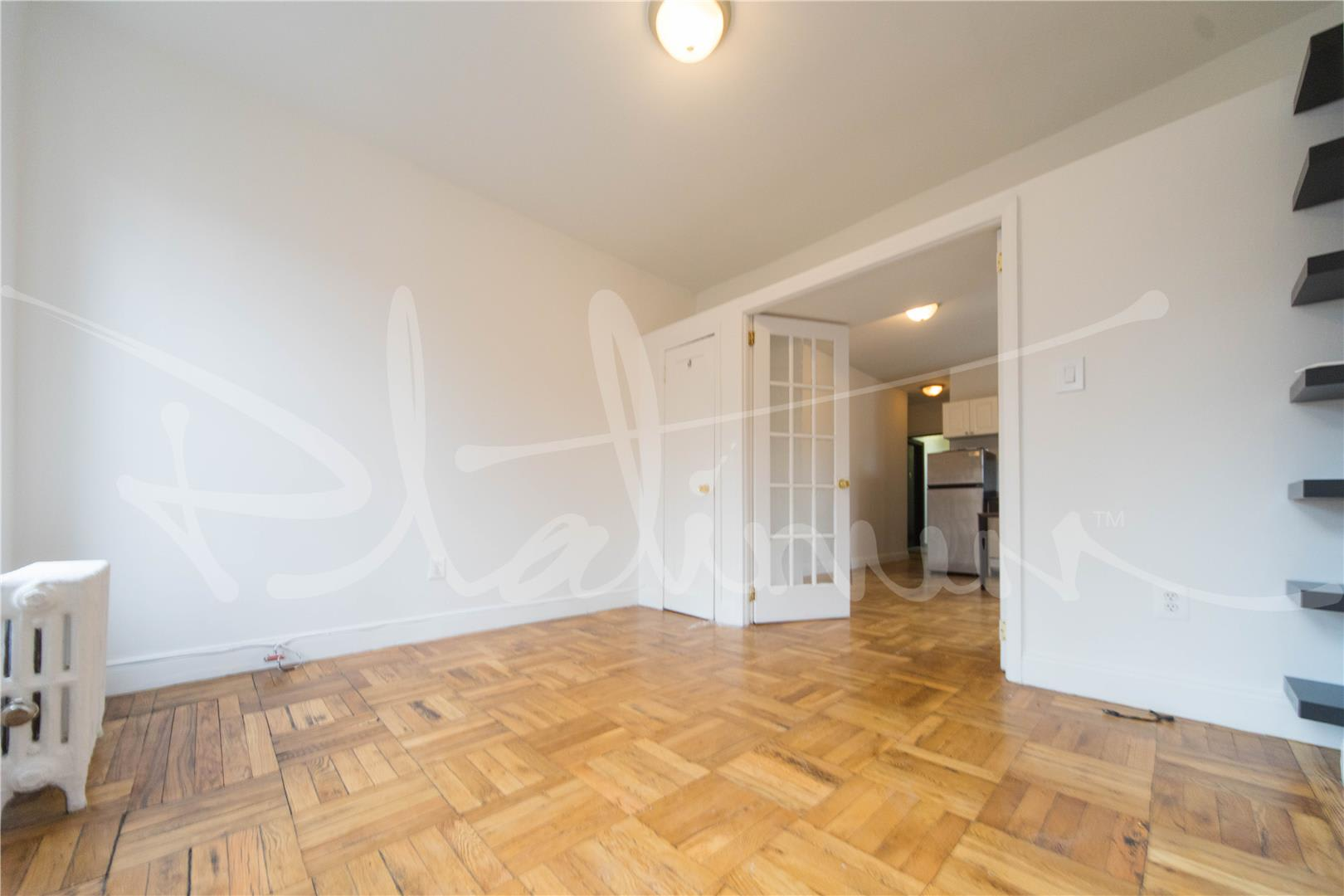 photo of 715 East 5th Street  ·  3-D