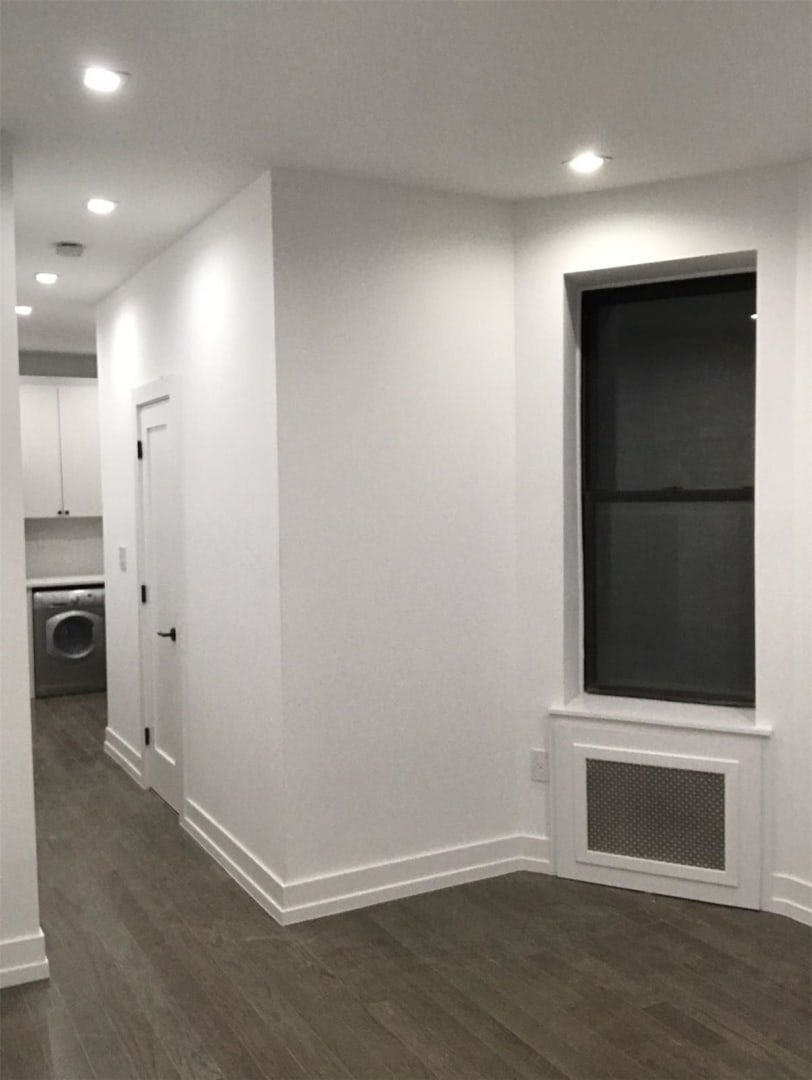photo of 615.5 Hudson Street  ·  5