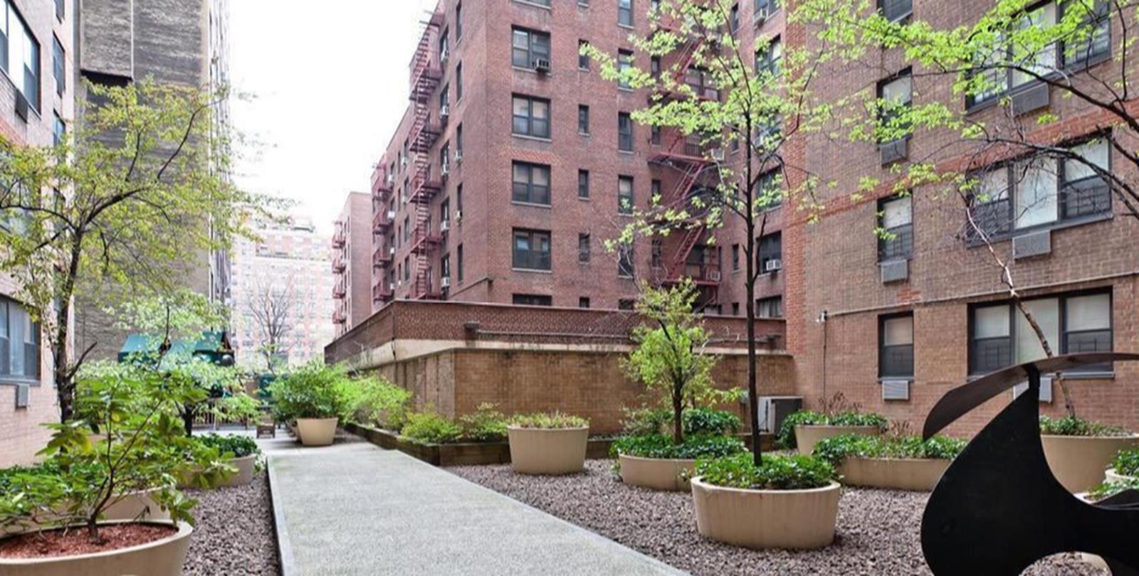 photo of 333 East 79th Street  ·  17-O