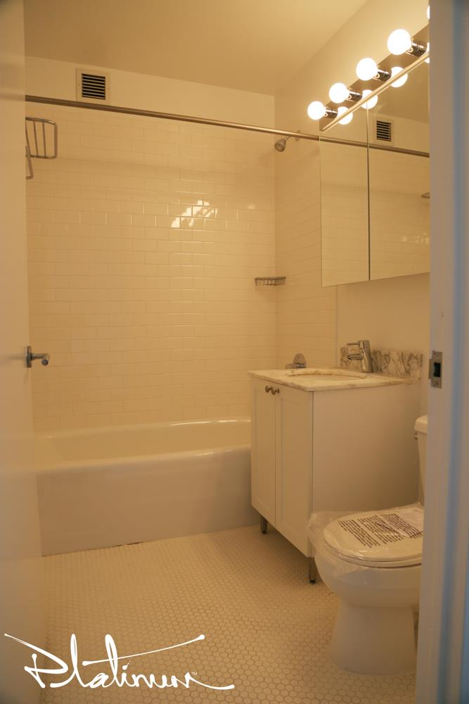 photo of 505 West 37th Street  ·  18C