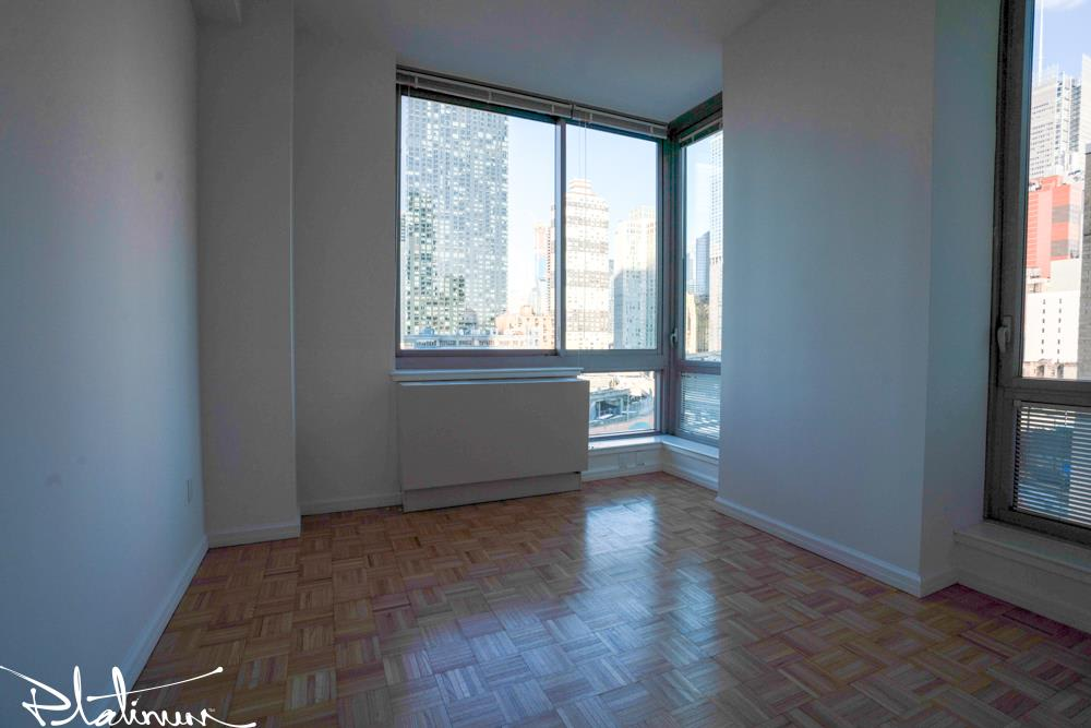 photo of 455 West 37th Street  ·  428