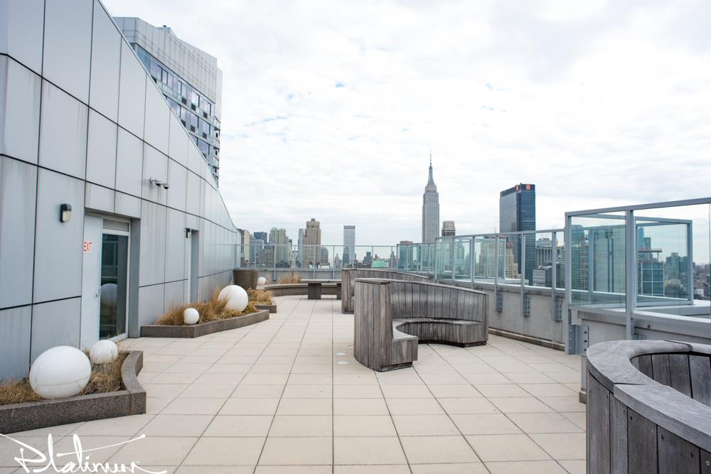 photo of 455 West 37th Street  ·  712