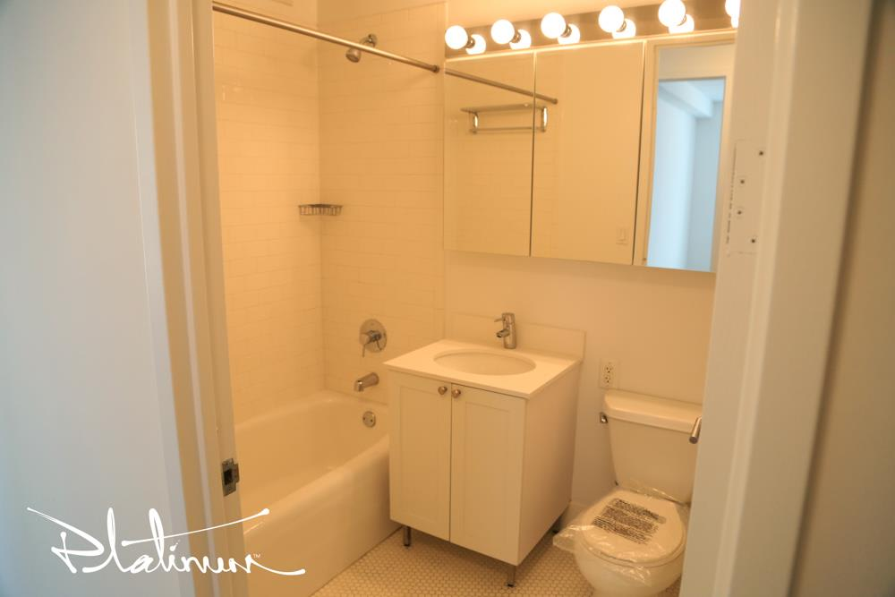 photo of 505 West 37th Street  ·  901