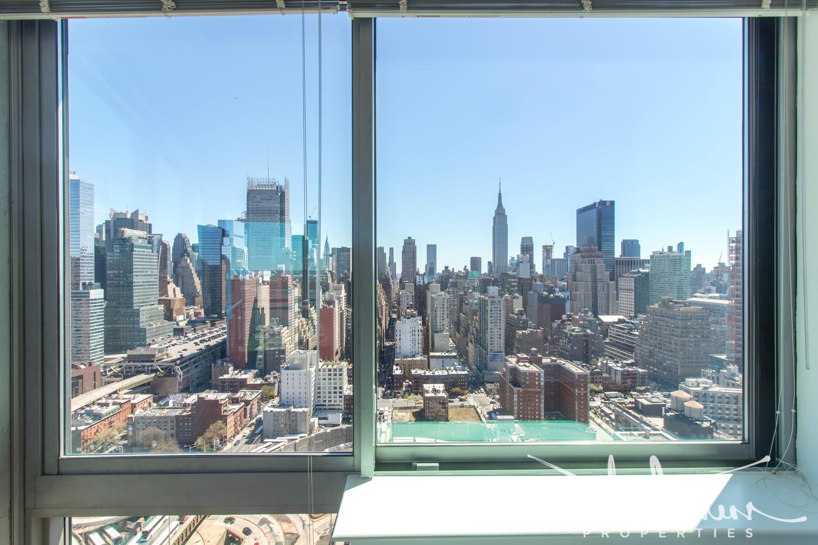 photo of 505 West 37th Street  ·  3502