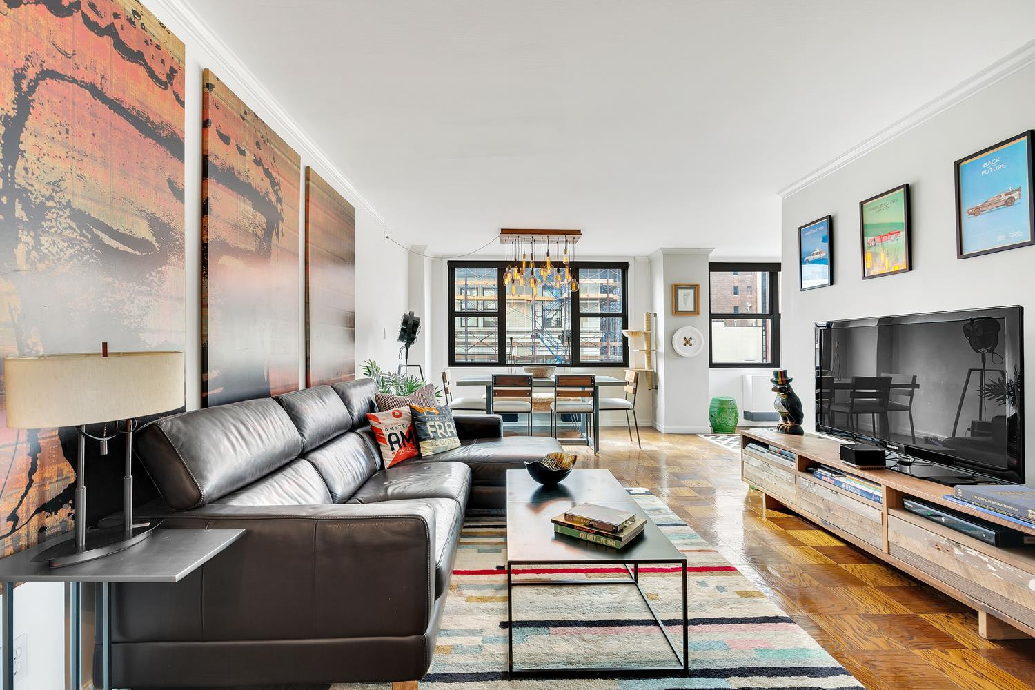 photo of 130 East 18th Street  ·  9-W