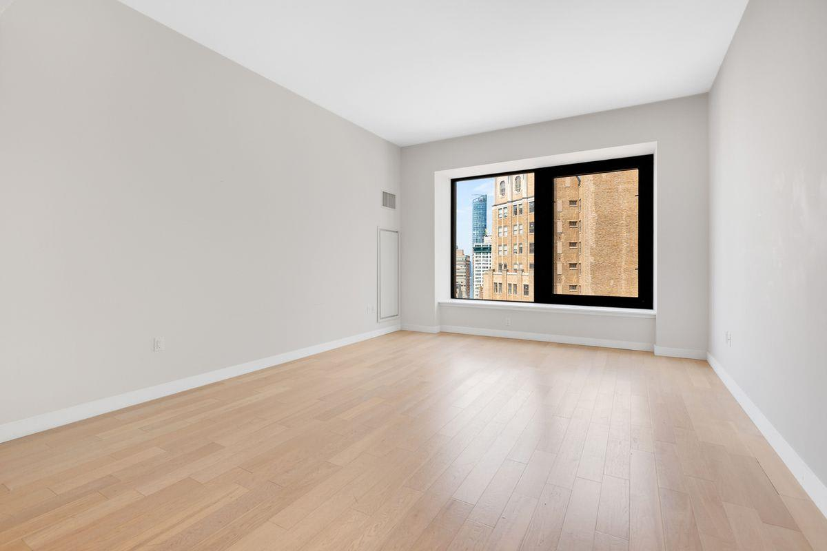 photo of 75 Wall Street  ·  23-F