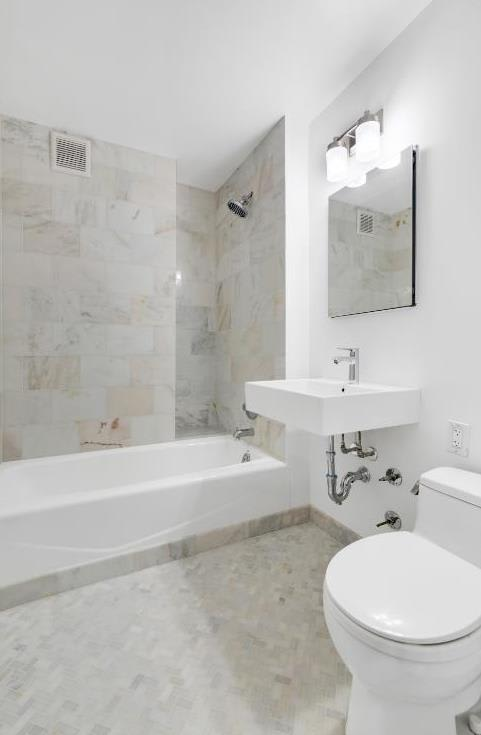 photo of 420 East 55th Street  ·  8-P
