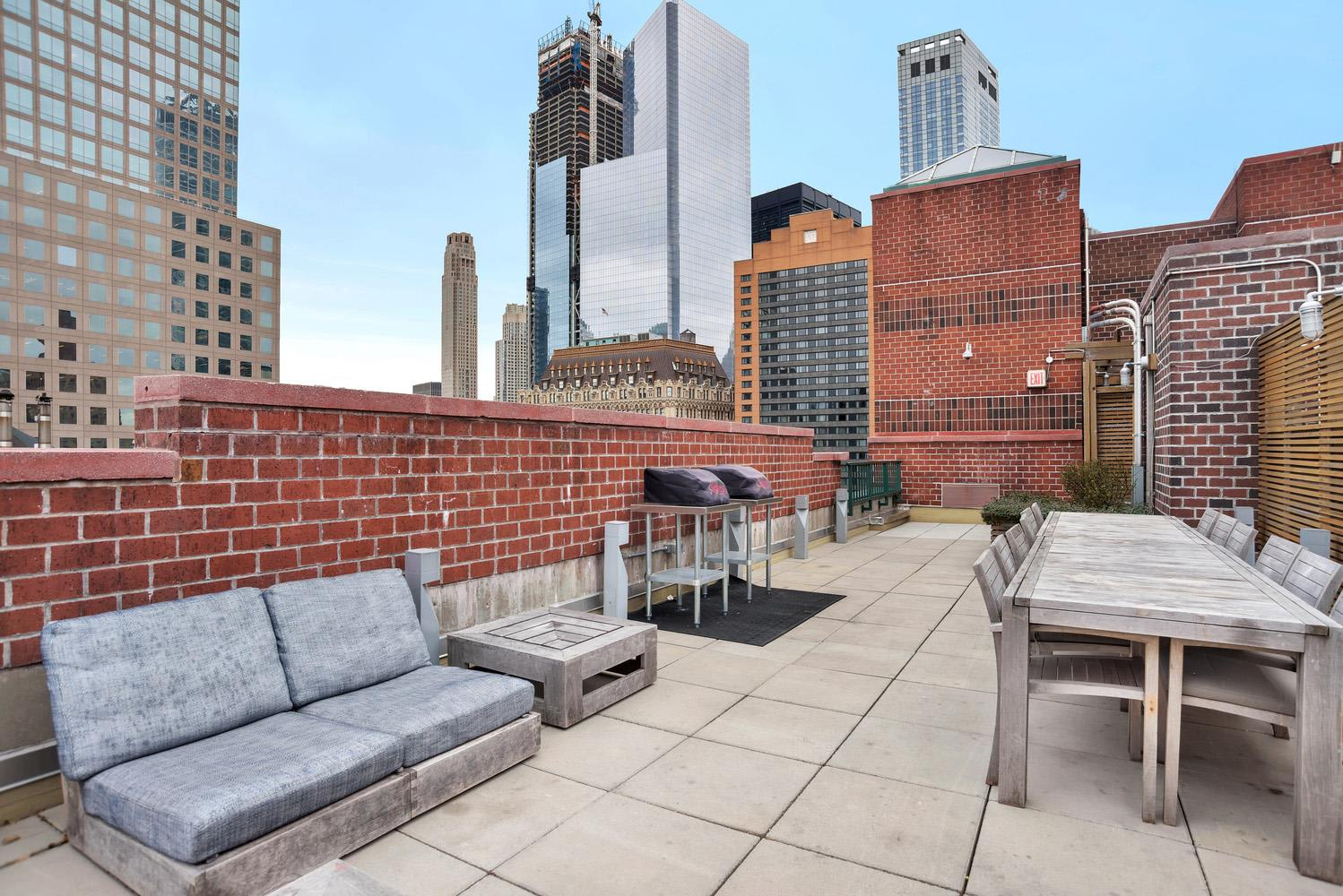 photo of 225 Rector Place  ·  14-N