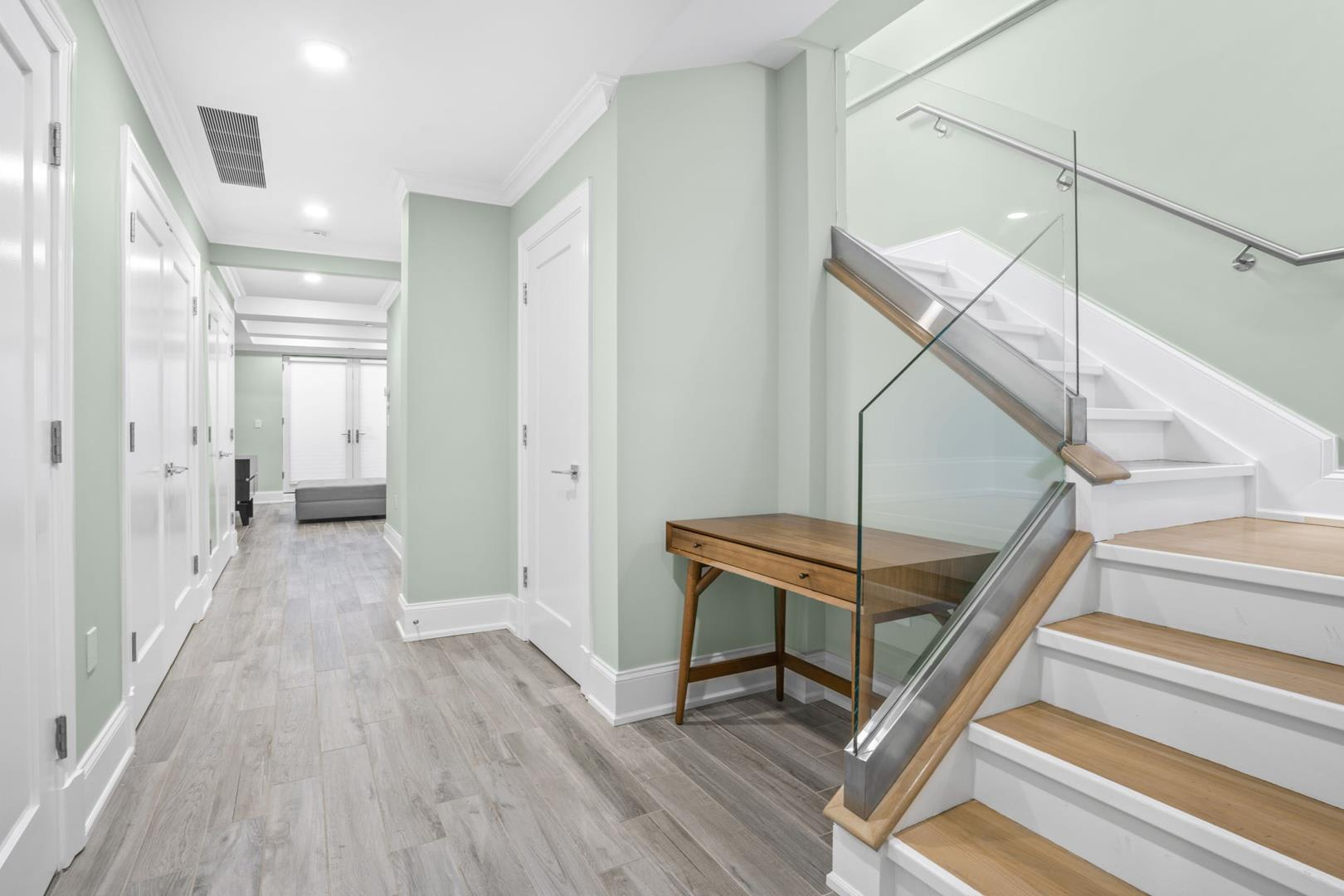 photo of 227 East 67th Street  ·  1