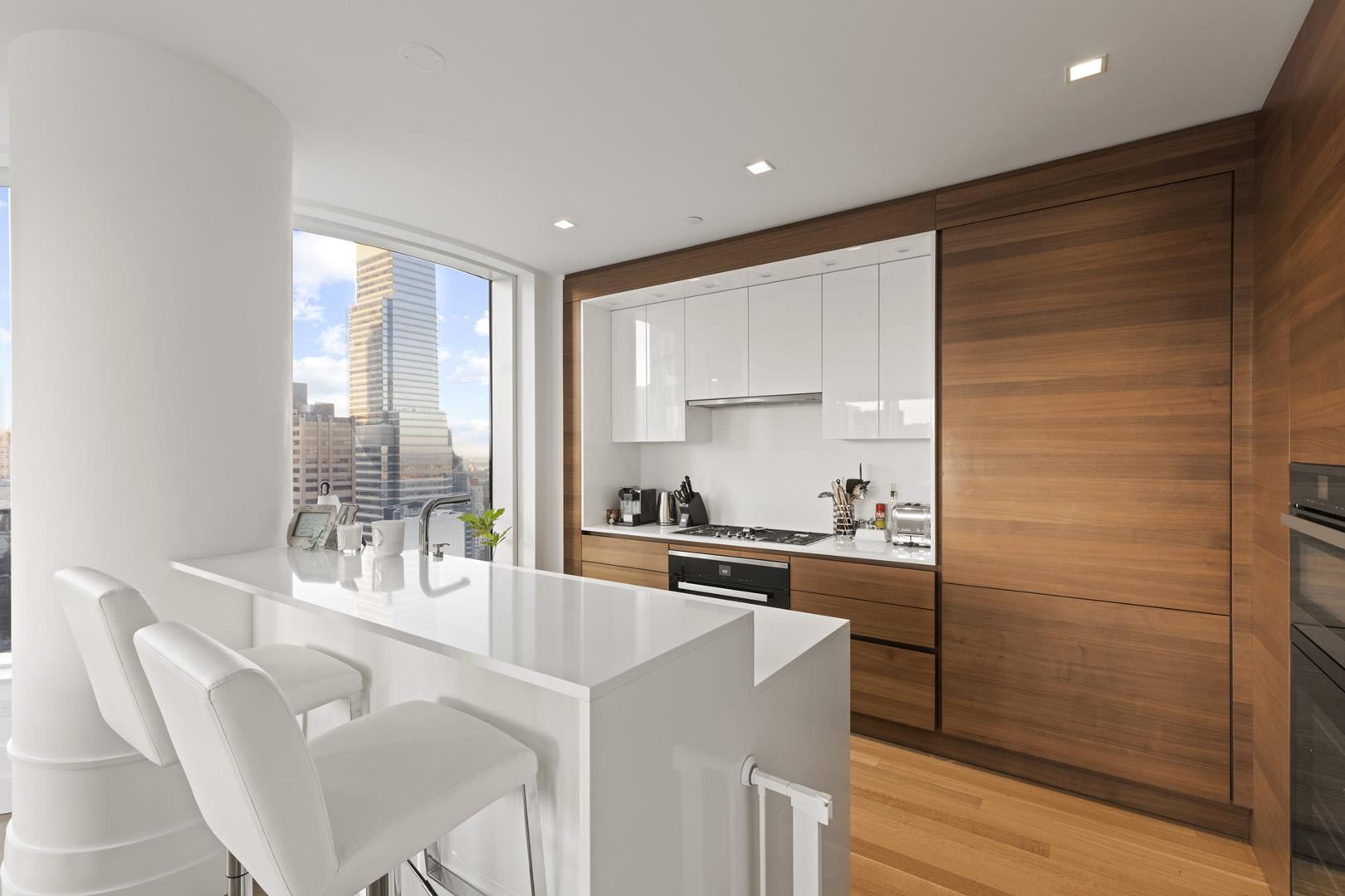 photo of 252 East 57th Street  ·  48D