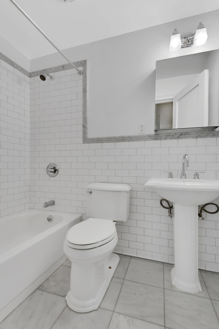 photo of 30 East 68th Street  ·  2-AB