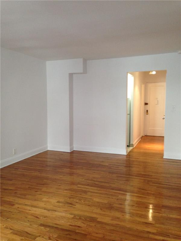 photo of 235 East 80th Street  ·  3-C