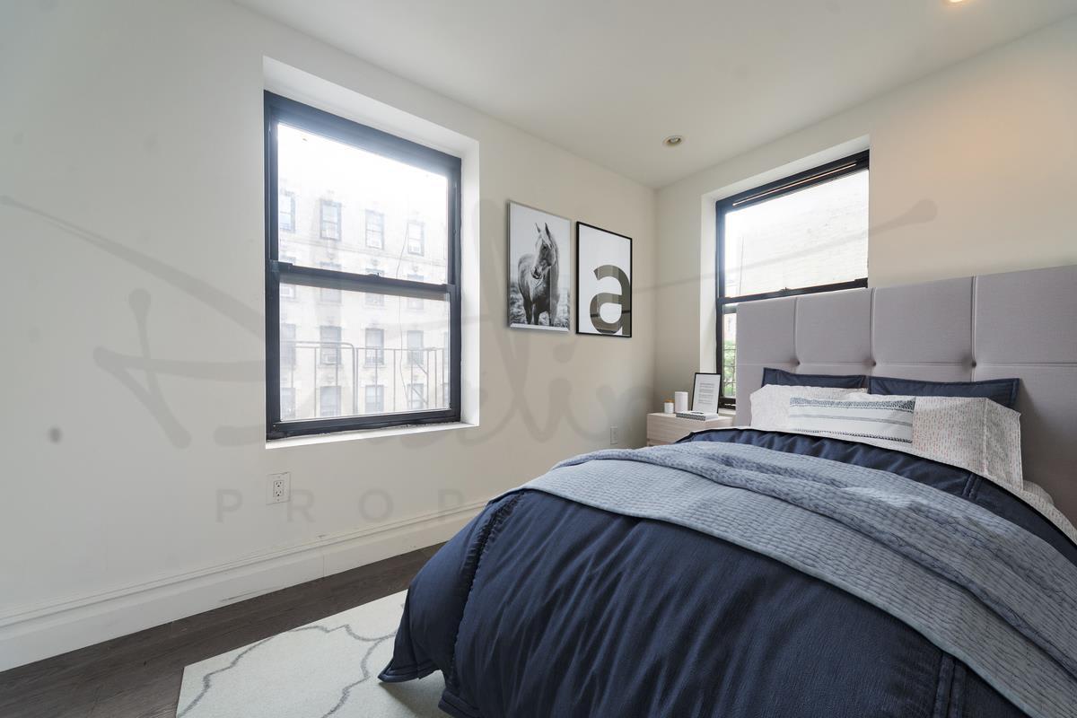 photo of 345 East 21st Street  ·  1