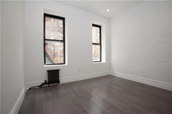photo of 142 Sullivan Street  ·  7