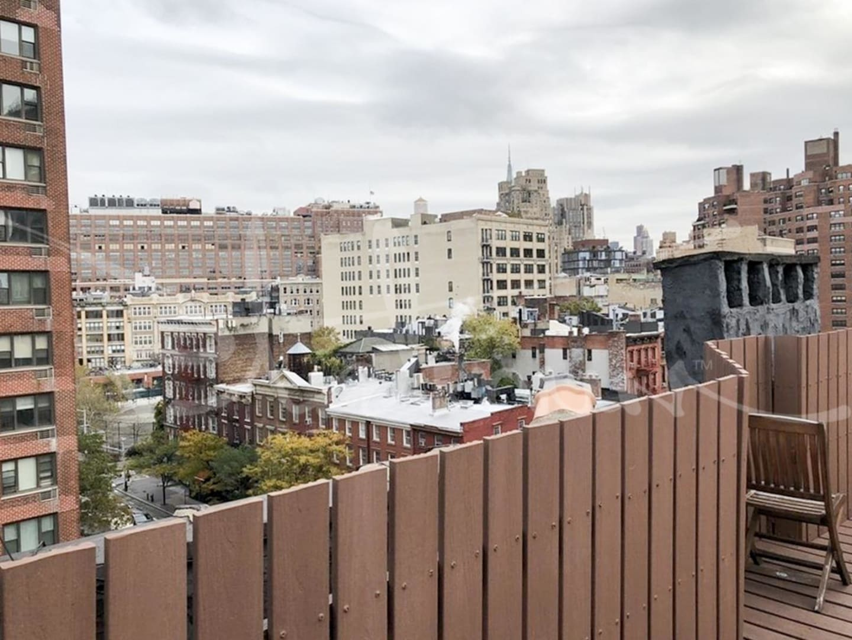 photo of 615.5 Hudson Street  ·  14