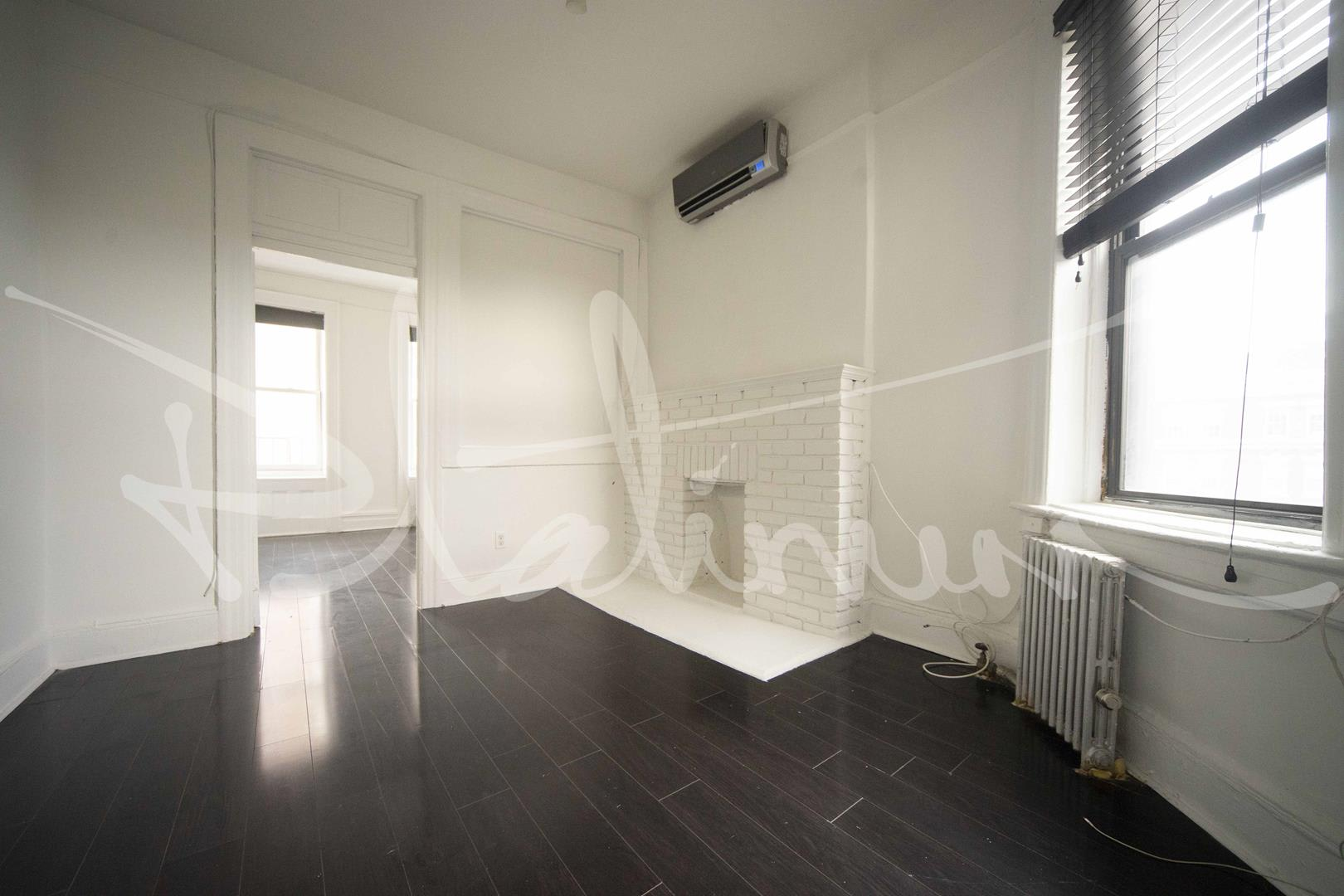 photo of 615.5 Hudson Street  ·  15