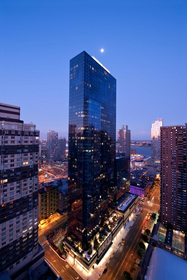 photo of 460 West 42nd Street  ·  PH-3H