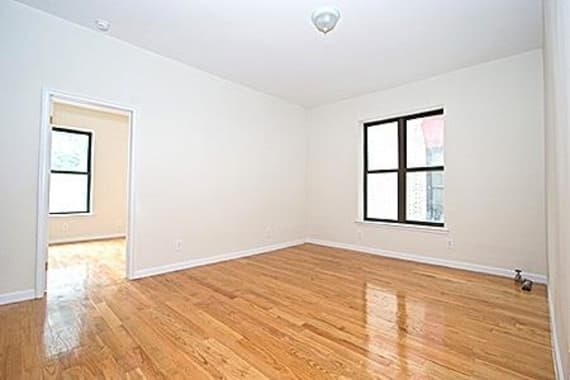 photo of 226 East 7th Street  ·  GRA