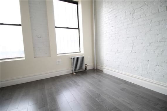 photo of 361 First Avenue  ·  6