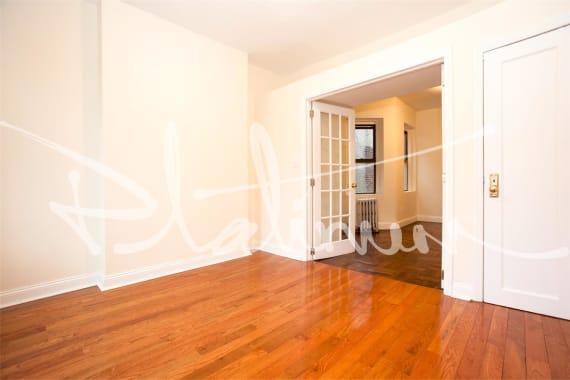 photo of 715 East 5th Street  ·  3-B