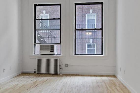 photo of 135 William Street  ·  3-FLR