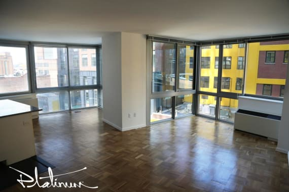 photo of 505 West 37th Street  ·  26E