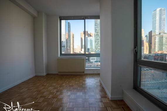 photo of 455 West 37th Street  ·  404