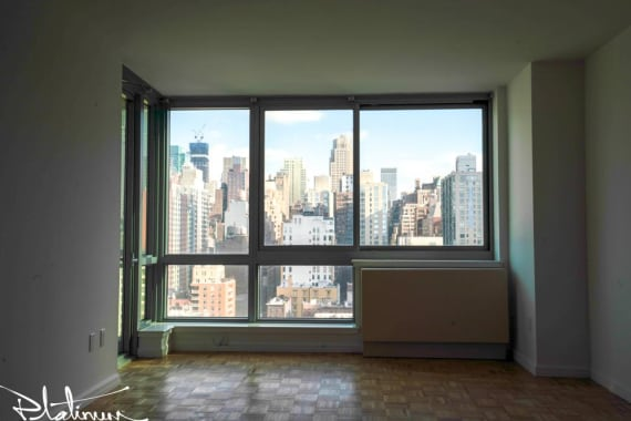 photo of 455 West 37th Street  ·  229