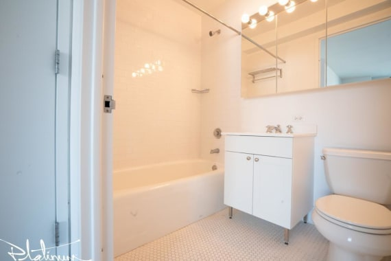 photo of 505 West 37th Street  ·  3804