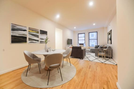 photo of 135 William Street  ·  2-A