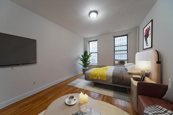 photo of 210 East 38th Street  ·  1C