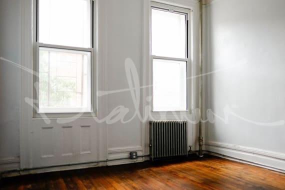 photo of 615.5 Hudson Street  ·  6