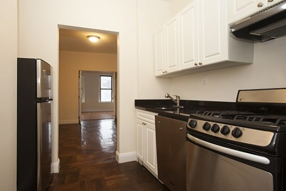 photo of 715 East 5th Street  ·  3-C