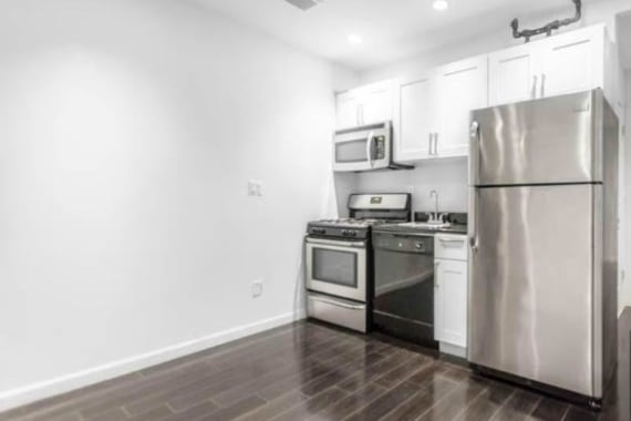 photo of 23 East 109th Street  ·  4-C