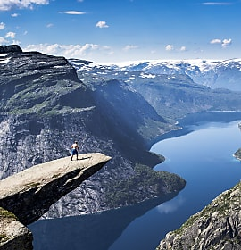 https://www.hardangerfjord.com/eidfjord/ting-a-gjere/trolltunga-p1676593