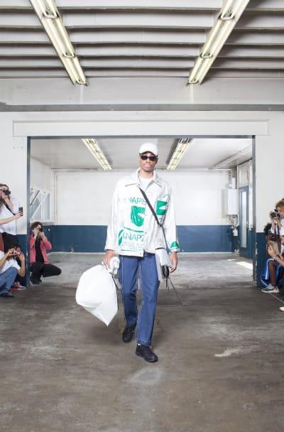 "Catwalk ""Statement N°2"" -Paris Fashion Week looks - © Visual Society"
