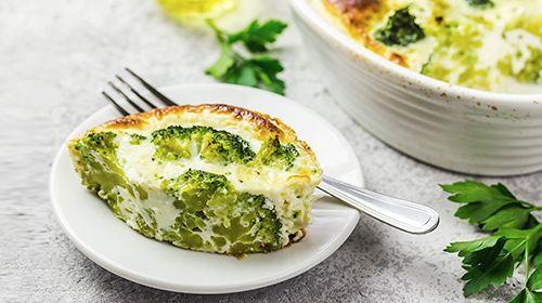 Eigericht mit Brokkoli und Spinat
