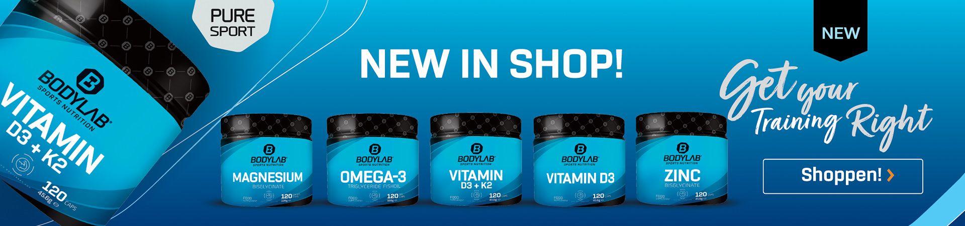 blaue Supplements von Bodylab24 vor blauem Hintergrund