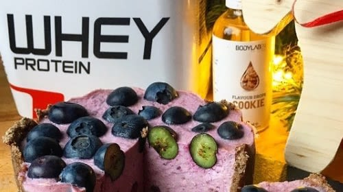 Blaubeer Cheesecake mit Whey