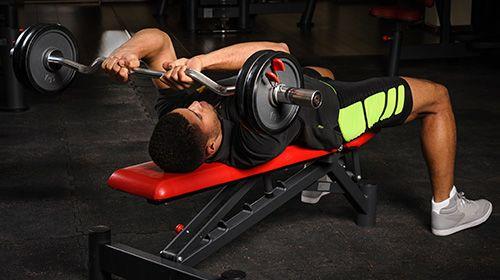 Triceps nog beter trainen? Kies de beste triceps oefeningen!