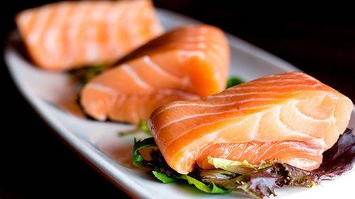 Wat is het beste voedsel voor de spieren? Tonijn VS Zalm