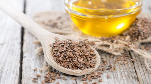 Leinöl: wertvolles Öl mit gesunden Fettsäuren
