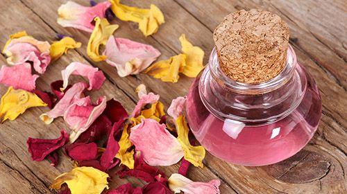 Rosenwasser – der Duft für Haut und Sinne