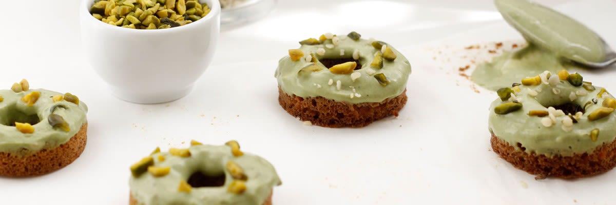 matcha donuts mit pistazien