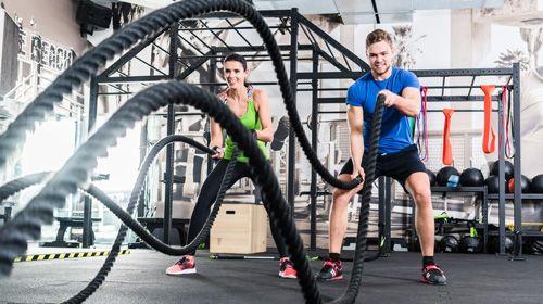 Muskelaufbau im Fitnesscenter - so erkennst du einen kompetenten Trainer