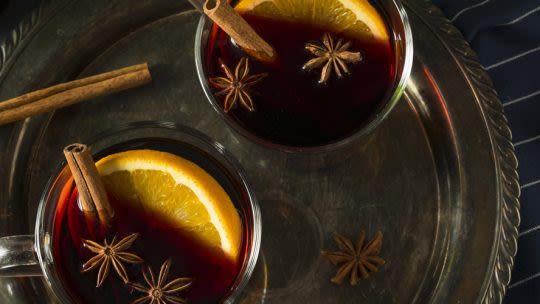 Aromatischer Orangen-Zimt-Punsch