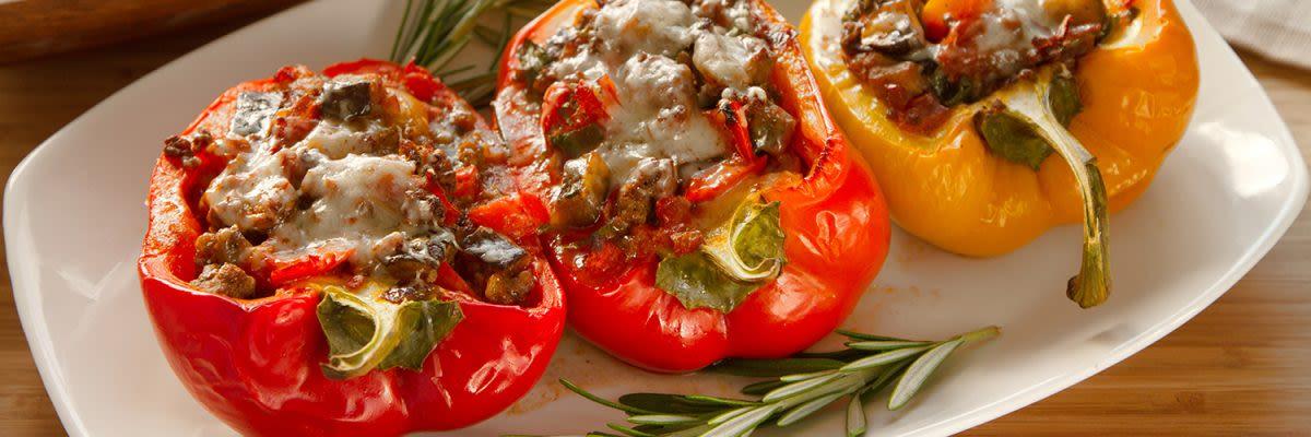 Vegetarisch gefüllte Paprika mit Zucchini