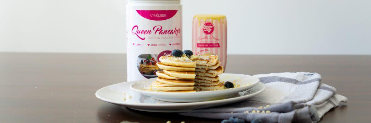 Snowball Pancakes mit kalorienarmer Vanillesauce