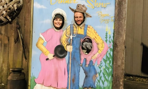 Couple Enjoying the Hatfield and McCoy Dinner Show